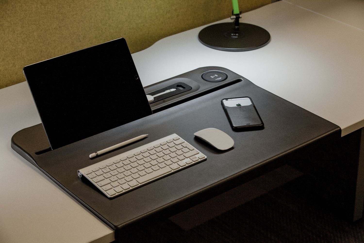 Wireless Charging Desk Mat Dci Commercial Interiors